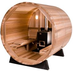 Barrel sauna is wonderful to enjoy dry and hot steam. Barrel shaped sauna is a popular addition to home both indoor and outdoor Diy Sauna, Outdoor Sauna, Jacuzzi Outdoor, Sauna Kits, Spa Jacuzzi, Barrel Sauna, Steel Framing, Traditional Saunas, Sauna Heater