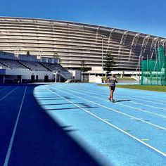 Track - instance session in 37 degrees!! 10km done and dusted - overslept this morning for the 10km league race  Look at the Soccer World Cup Stadium in the background - maxing track this with loads of fast times waiting to be done here.  #run #runner #running #fit #runtoinspire #furtherfasterstronger #seenonmyrun #runchat #runhappy #instagood #time2run #instafit #happyrunner #runners #photooftheday #fitness #workout #training #instarunner #instarun #workouttime #capetown #southafrica…