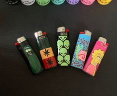 Hand Painted Lighters by JustDrips Custom Lighters, Cool Lighters, Diy Decorate Lighter, Light Painting, Diy Painting, Soirée Pyjama Party, Monster Crafts, Bic Lighter, Marijuana Art