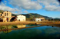 MINIERA DI MONTEVECCHIO Uno dei siti minerari più suggestivi della Sardegna oggi è un parco visitabile. Fra distese di pietra, vegetazione rada e specchi d'acqua.