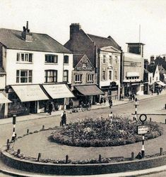 In when Epsom High Street was widened, the George was rebuilt on a grand scale to match the Odeon next door. Both properties were demolished in Kingston Upon Thames, Old Street, Historical Images, Next Door, Surrey, Childhood Memories, Past, Scale, Street View