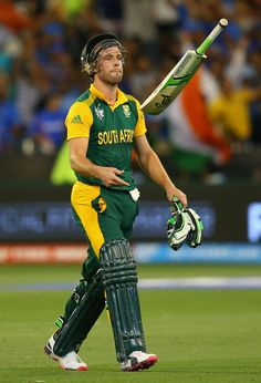 Tuning point: AB de Villiers throws his bat after he was run out for 30, India v South Africa, World Cup 2015, Group B, Melbourne, February 22, 2015 ©Getty Images | www.indiadefends.com #indiadefends