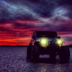 Jeep Wrangler.. I would love to have a pic like this with my jeep!