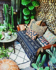 Home Decoration Ideas: Bohemian Living - Malian Mudcloth, Kuba Cloth (Congo) Pillows, Moroccan Pouf, Moroccan Beni Ourain Rug, Plants. Bohemian Porch, Bohemian Decor, Boho Chic, Boho Room, Bohemian Style, Bohemian Garden Ideas, Room Decor Boho, Tribal Home Decor, Boho Style Decor