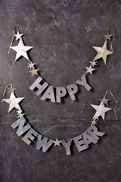 We also need such a New Year's decoration: Happy New Year garland Source by Related posts: I've been waiting for days to post this January page on New Year's! Happy New Ye… Table decoration New Year's Eve party hat Happy New Year Banner, Happy New Year 2019, Happy Year, Happy 2015, Diy New Years Party, Party Banner, New Years Eve Decorations, Quotes About New Year, Year Quotes