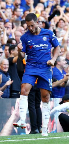 68d5f63c94e Eden Hazard celebrates Chelsea Football