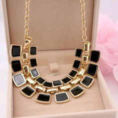✨HP✨Black Fashion Necklace Fashion Statement Necklace Fashion Jewelry Necklaces