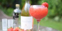 Tο cocktail  -και- του φετινού καλοκαιριού είναι ροζ, παγωμένο και φτιάχνεται εύκολα στο σπίτι.