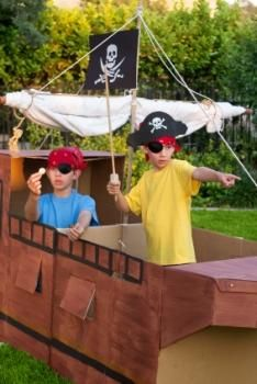 There are plenty of kid pirate games that will liven up any pirate themed kids' party or play group. Pirate games for kids are easy to create with a few . Pirate Games, Pirate Theme, Bateau Pirate, Pirate Boats, Dress Up Boxes, Imagination Station, Pirate Birthday, Birthday Parties, Birthday Ideas