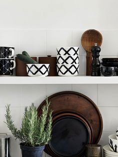 A geometric motif from Carina Seth Andersson's Spaljé pattern wraps around this white stoneware bowl. glazed colours and pattern remain vibrant. Design Shop, Shop Interior Design, House Design, Set Design, Marimekko, Scandinavian Living, Scandinavian Design, Monochrome Interior, Collection 2017