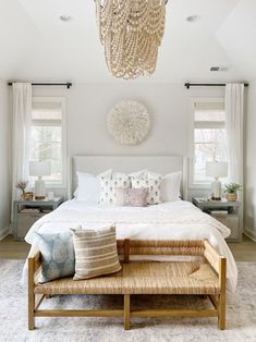 4 Tips for Layering Window Treatments Like A Pro — Mix & Match Design Company - 4 tips for layering window treatments // how to pick curtains and blinds // woven rattan bench // simple boho beachy bedroom design Design Room, Master Bedroom Design, Home Decor Bedroom, Living Room Decor, Bench In Bedroom, Costal Bedroom, 50s Bedroom, Airy Bedroom, White Bedroom Curtains