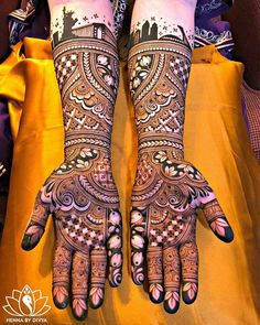 If you are looking for bridal mehndi designs for your wedding, then check out these top 30 mehandi images for some inspiration. Right from a simple mehndi design to an elaborate bridal henna design, you'll find it in here! Wedding Henna Designs, Rose Mehndi Designs, Engagement Mehndi Designs, Indian Mehndi Designs, Henna Hand Designs, Latest Bridal Mehndi Designs, Mehndi Designs 2018, Mehndi Designs For Girls, Unique Mehndi Designs