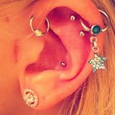 I love these earrings!:)