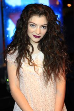 Lorde Announced a U.S. Tour—Check This List to See If She's Coming to You! Gonna be in St. Louis.