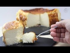 Authentic Cheescake of the San Sebastian (Ingredient English min Cake Recipes, Dessert Recipes, Desserts, Trifle Pudding, Cheesecake Cookies, Sweets Cake, Just Cakes, Dessert Bars, Yummy Cakes