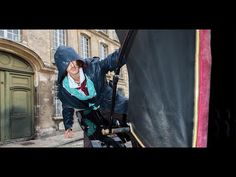Uber livre Assassin's Creed Syndicate en calèche ! - YouTube