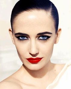 Eva green blue eyes make up, black kajal Beauty Makeup, Eye Makeup, Hair Beauty, Actress Eva Green, Green Makeup, Glamour, French Actress, Green Fashion, Portraits