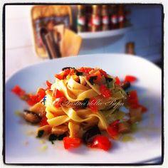 I Pasticci della Pupa: Fettuccine al curry con funghi freschi e pomodorin...