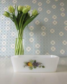 Vintage Square Bowl by Arcopal France with Fruit de France Design 70s door Vantoen op Etsy