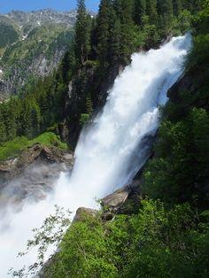 Die Krimmler Wasserfälle. Perfekter Aufenthaltsort für Allergiker und Asthmatiker. Austria, Waterfall, Outdoor, National Forest, Hiking, Things To Do, Places, Outdoors, Waterfalls
