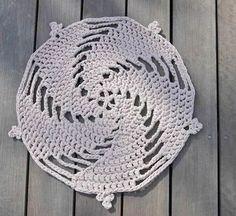 Tecendo Artes em Crochet: Um Tapete Charmoso para Vocês Fazerem!