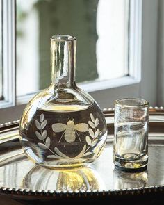 HB193 Jan Barboglio Wee-Bee Carafe