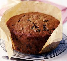 This traditional Irish Christmas Cake will go perfect with a steaming hot cuppa tea this winter. This traditional Irish Christmas Cake will go perfect with a steaming hot cuppa tea this winter. Food Cakes, Cupcake Cakes, Fruit Cakes, Cupcakes, Holiday Bread, Irish Recipes, English Recipes, Jamaican Recipes, Bbc Good Food Recipes