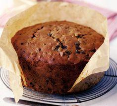 Amazing christmas cake recipe....looks like something of the fruitcake kind.