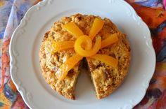 ένα κέικ από τα παλιά…. Η Κατίνα μας έφτιαξε αυτό το πολύ νόστιμο νηστίσιμο κέικ με τη συνταγή της κυρίας Μαρίκας. πώς να το φτιάξουμε: Κοσκινίζουμε το αλεύρι και προσθέτουμε την σόδα και το …