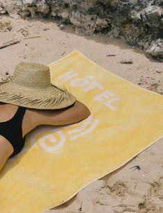 Magique beach towel – Hôtel Magique