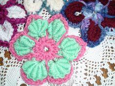 Crochet Geek : Majestic Crochet Flower Motif - Bullion Stitch