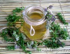 Sirop de cimbrisor Indian Drinks, Summer Recipes, Drinking, Mason Jars, Herbs, Homemade, Mugs, Healthy, Tableware