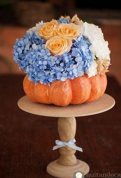 Trendy Wedding Colors Silver And Blue Flower Cinderella Theme, Cinderella Birthday, Cinderella Wedding, Cinderella Centerpiece, Cinderella Pumpkin, White And Blue Flowers, Orange Wedding Flowers, Wedding Colors, Pink White