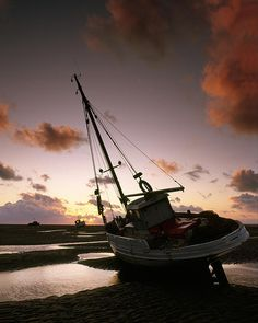 Fishing boats on the beach at Meols, Wirral, England. Plane Photos, Beach Posters, Love Boat, Fishing Boats, Fishing Trips, Sunset Photos, Salt And Water, Water Crafts, Winter Scenes