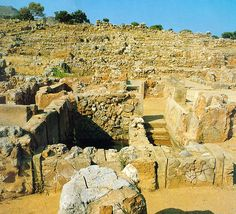 A - Minoan culture, West wing of Zagros palace, Crete Greece  www.travel-to-crete.com