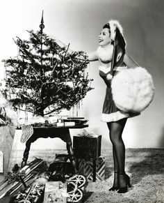 vintage everyday: 30 Vintage Hollywood Starlet Christmas Pin-up Photos   Ann Miller
