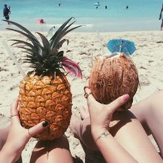 Tropical Fruits or Cocktails in Fruits - Photo Idea with Beach Legs shown and Cute Manicure 💅🏽 Summer Vibes, Summer Feeling, Summer Sun, Summer Of Love, Summer Beach, Summer Fruit, Summer 2015, I Need Vitamin Sea, Good Vibe