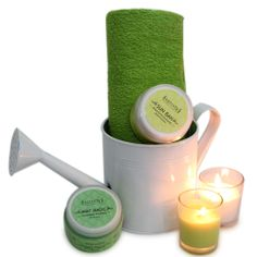 This hamper includes a beautiful watering can 5 inch tall filled with dad's spa gifts, A 45g antiseptic face cleanser that offers thorough cleansing by removing pollutants from Sattvik, a 45g Remedy for Sun Tan Removal from Sattvik, two 2.5 inches tall glass candles and a soft towel measuring 39x19 inches. http://www.giftsbymeeta.com/organic-spa-gift-pack-gifts2270