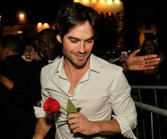 Image about sexy in Ian Somerhalder❤😍 by Flavia Fedorca The Vampire Diaries, Damon Salvatore Vampire Diaries, Ian Somerhalder Vampire Diaries, Vampire Diaries The Originals, Nikki Reed, Ian And Nikki, Nina Dobrev, Caroline Forbes, Paul Wesley