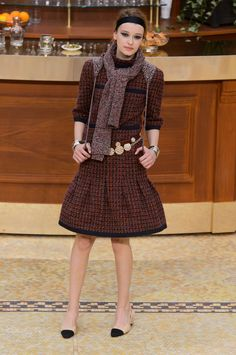 Chanel Fall 2015 Ready-to-Wear Collection  - ELLE.com