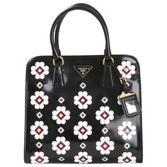 PRADA Black Leather Handbag | Vestiaire Collective