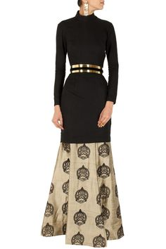 Black cut out kurta with gold kathakali skirt BY NIKHIL THAMPI. Shop now at perniaspopupshop.com #perniaspopupshop #clothes #womensfashion #love #indiandesigner #NIKHILTHAMPI #happyshopping #sexy #chic #fabulous #PerniasPopUpShop