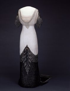1912-1913 Queen Maud evening dress by Jean-Philippe Worth (Nasjonalmuseet for Kunst, Arketektur og Design - Oslo Norway)