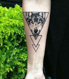 tatuaje con triangulos 2 - +40 Tatuajes de triángulos y su particular significado en cada diseño