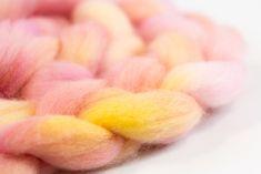 New Zealand Corriedale wool micron) Summer Dream, Spin, Fiber, Kitten, Felt, Hand Painted, Kittens, Kitty, Baby Cats