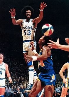 ImageShack - Best place for all of your image hosting and image sharing needs Mike Jordan, Michael Jordan, Basketball Leagues, Basketball Legends, Nba Players, Basketball Players, Jeffrey Jordan, Basketball Pictures, Sports
