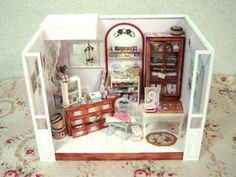 "Doll house ""Mercerie"" in Paris  http://daily-antiques.ocnk.net/"
