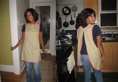Totally could see this in a lovely teal or pink print.  Great apron for cleaning days.