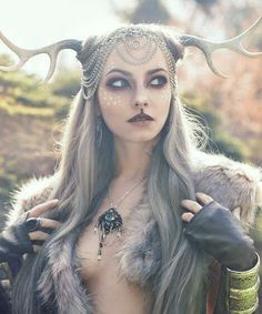 Faun cosplay by Alternate History Designs & Photography Maquillage Halloween, Halloween Makeup, Mode Inspiration, Character Inspiration, Headdress, Headpiece, Mode Editorials, Halloween Disfraces, Poses