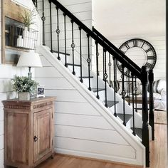 Cool 80 Modern Farmhouse Staircase Decor Ideas https://livingmarch.com/80-modern-farmhouse-staircase-decor-ideas/